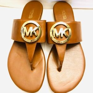 "Michael Kors leather sandals with gold metal ""MK"""